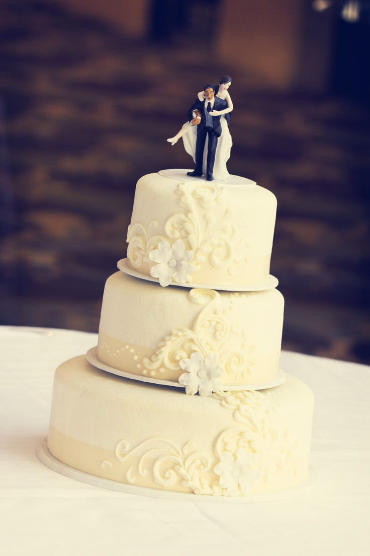 Charming Cake Toppers | Minneapolis Wedding Planners – BELLAGALA